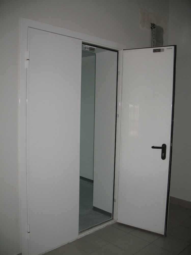 дверь входная в производственное здание