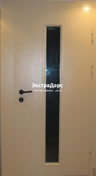 входные двери со смотровым стеклом